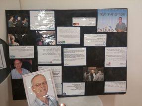 לוח הנצחה במשרדי אקסליבריס