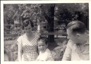 דפנה ונעם, 1957