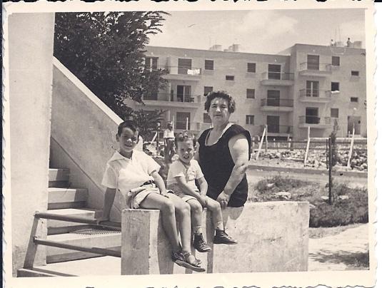 גלדיס, נעם ומיכה, 1959