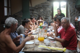 ארוחת בוקר בווילה, טיול בספרד, 2012