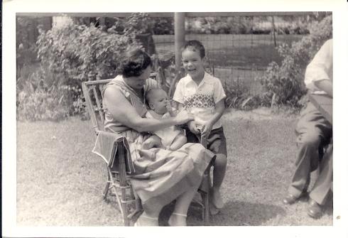 נעם, מימי ומיכה, 1957