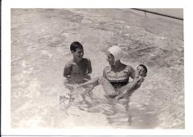 נעם, דפנה ומיכה, 1966