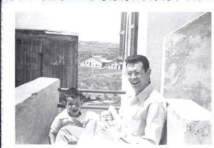 ראובן, מיכה ונעם קמינר, 1957